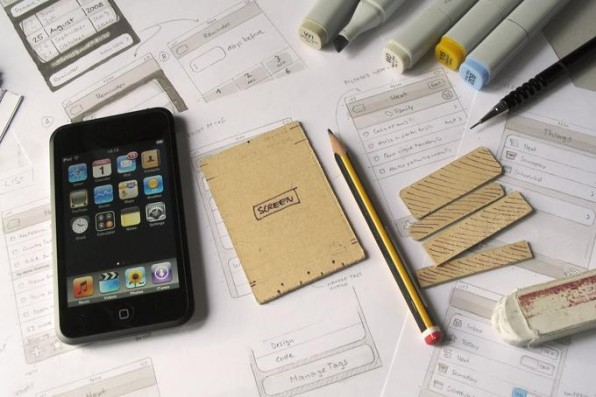 Wie hier bei der iPhone-App stehen am Anfang der Entwicklung Skizzen und Zeichnungen auf Papier.