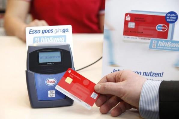 Aus Sicherheitsgründen hat bisher keiner der neuen Akteure für Bezahlsysteme am PoS eine Zulassung für das deutsche girocard-Verfahren erhalten.