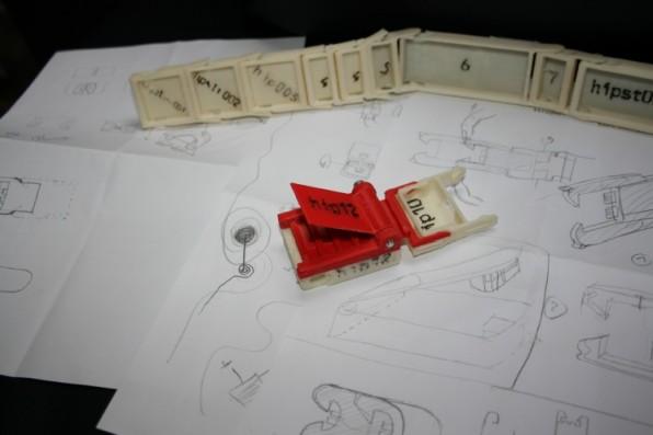 Mit Papier und Stift lassen sich erste Papier-Prototypen erstellen, die erstes Feedback innerhalb kürzester Zeit ermöglichen.