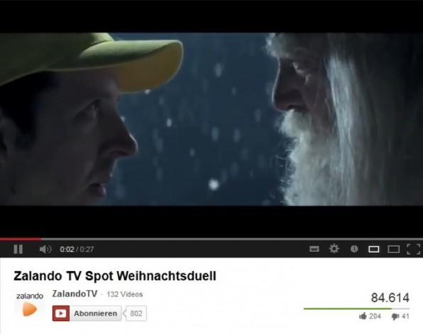 """Nicht nur im TV ein Hit: Der Zalando Spot """"Weihnachtsduell"""" kam bei den YouTube-Usern gut an. (Quelle: Zalando TV"""