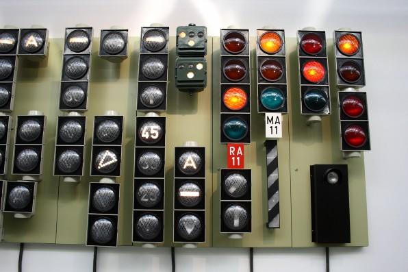 Die Anwendungsmöglichkeiten einer Büro-Ampel sind so vielfältig wie Ampel-Modelle. (Foto: Heiko S. / Flickr)