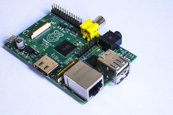 Die Grundkomponente aller Projekte: der Raspberry Pi – nicht größer als eine Scheckkarte, kostenkünstig, energiesparend. (Foto: Mark Ramsay / Flickr)
