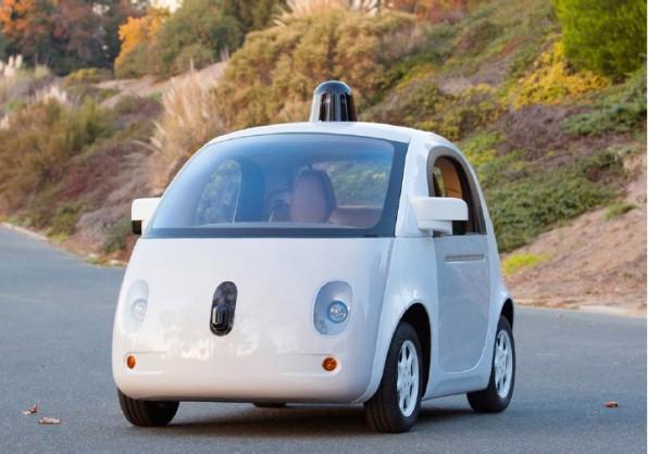 Google treibt mit seinem self-driving Car die klassischen Automobilhersteller ins digitale Zeitalter. Der Konzern will bereits in fünf Jahren in Kooperation mit Herstellern wie LG oder Bosch selbstfahrende Autos zur Serienreife bringen. (Foto: google.com)