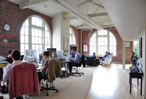 In einem ehemaligen Fabrikgebäude in San Franciscos Startup-Viertel South of Market arbeiten die beiden Gründer mit mittlerweile 13 Mitarbeitern an ihrer Geschäftsidee. (Foto: Florian Blaschke)