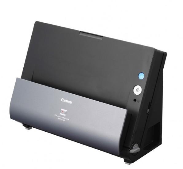 Reine Dokumenten-Scanner wie Canons platzsparendes Modell DR-C225 können unterschiedliche Formate und Papierstärken in größeren Mengen verarbeiten. (Bild: canon.de)