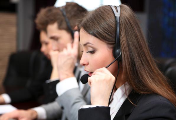 Motivation: Kennen die Mitarbeiter eines Call Centers die Studenten, die von einem Stipendium profitieren, fällt es ihnen wesentlich leichter, die Gelder für dieses Stipendium einzusammeln. Das hat der Psychologe Adam Grant nachgewiesen. (Foto: Shutterstock)