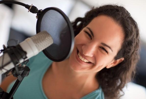 """Annik Rubens ist Podcasterin der ersten Stunde. Sie findet """"Nische"""" super, weil es eben für jeden eine Nische gebe, sowohl für die Macher als auch für die Hörer. (Foto: Mathias Vietmeier)"""