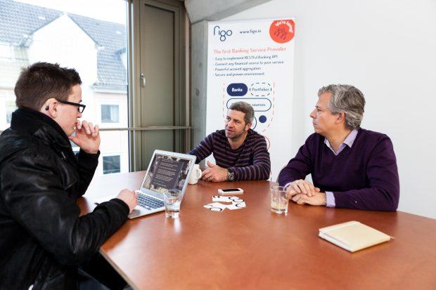 Nach dem Fehlstart des vielversprechenden Finanz-Startups geht es den Machern von Figo jetzt darum, den Beweis zu erbringen, dass sie mit einem neuen Ansatz doch noch Geld verdienen können. (Foto: Leonard Körner)