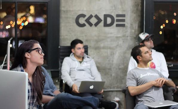 Mehr Freiheiten, weniger Frontalunterricht: Die Code University of Applied Sciences will die nächsten digitalen Vordenker ausbilden. (Foto: Code University)