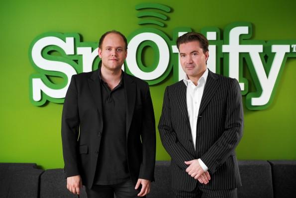 Der Gründer Daniel Ek und Martin Lorenzon (v.l) managen den beliebten Musikstreaming-Anbieter Spotify. Die Gewinne bleiben aber aus.