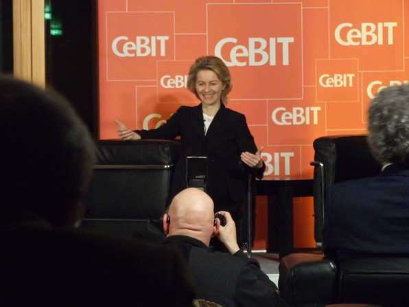 Ursula von der Leyen auf der CeBIT-Veranstaltung