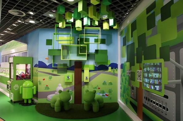 androidland 71 595x396 Androidland: Erster Android Store der Welt eröffnet [Bildergalerie]
