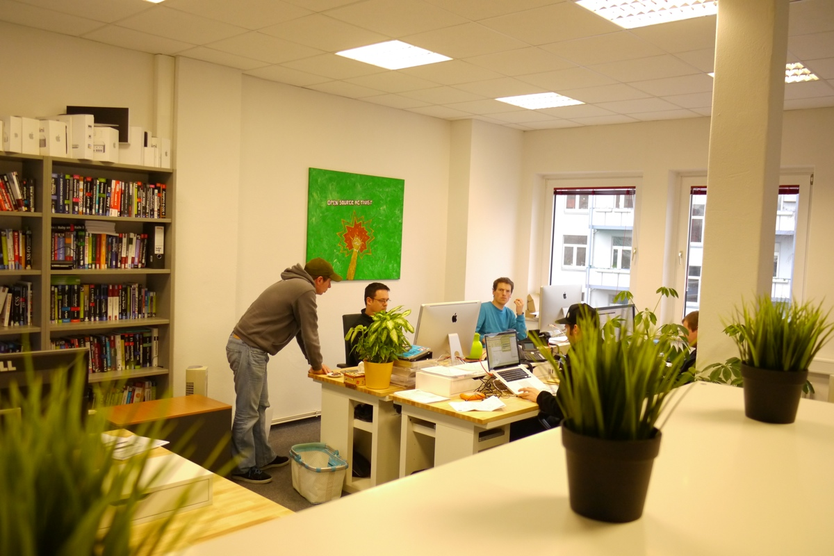 Ikea hacking platzsparender it arbeitsplatz für euro t n