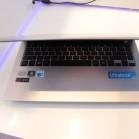 LG Z330 10