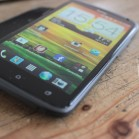 HTC one X side 2
