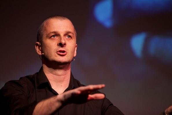 Mark Boulton erläuterte, wie Responsive Webdesign den gesamten Designprozess verändert (Foto: Stefan Nitzsche)