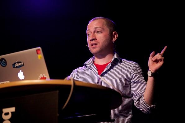 Mat Marquis sprach über Verantwortungsvolles Webdesign (Foto: Stefan Nitzsche)