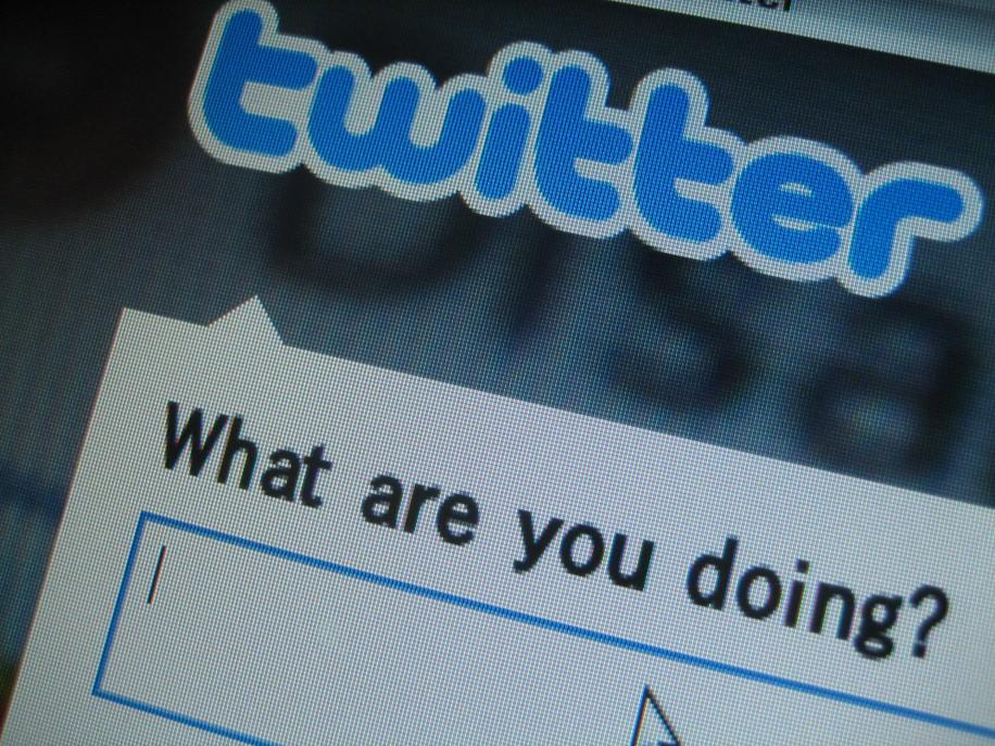 "Twitter für Unternehmen: 10 Tipps, um durch Interaktion mehr Follower zu generieren. (Foto: <a href=""http://www.flickr.com/photos/18839421@N04/3255575238/in/photolist-5XFF6y-5XW7XZ-5ZkqAn-5ZpoQd-5ZTi6A-61bMEW-61gnsk-623kpW-64bUxC-64YzFu-65Hcmv-66eFft-67kvt6-68mZvD-68Nsnn-692uaB-6986AJ-6amBSG-6aKyLM-6bGRnQ-6bL1Fa-6cfUZr-6cnYoz-6cuCnj-6cH2Vz-6dcujQ-6fT34E-6nQr6u-6pW92z-6q1hxL-6q72SV-6rdmKH-6rne1W-6x53j1-6yNCXa-6z4dEy-6zHopu-6Bxfdw-6KqvgY-6Lb4yf-6MUkHQ-6Nuj9w-6NM2tt-6P6iYR-6PaSaT-6PuNdh-6PNgF2-6PSnFR-6PWup9-6QKAmY-6TaS6s"">Flickr.com – keiya</a>)"
