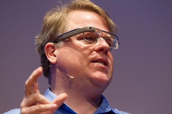 Robert Scoble präsentiert die Google Glass. (Bild: NEXT Berlin)