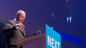 """Peer Steinbrück auf der #NEXT2013: """"Die vierte industrielle Revolution anführen"""""""
