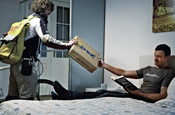 Same-Day-Delivery ist in Deutschland zum Beispiel über den Spezialisten Tiramizoo möglich. Der München Edel-Trachtenmoden-Händler Lodenfrey gehört beispielsweise zu den Tiramizoo-Kunden. (Foto: Tiramizoo)
