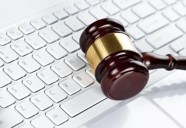 Der Bundesgerichtshof entschied für den Kläger und gegen Google. (Quelle: © rangizzz - Fotolia.com)
