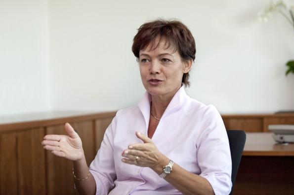 Die Hessische Verbraucherschutzministerin Lucia Puttrich fordert ein Rückgaberecht für Apps und digitale Güter.
