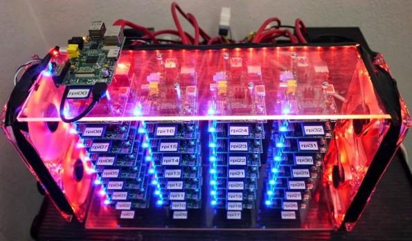 Der Raspberry-Pi-Cluster in seiner ganzen Pracht.