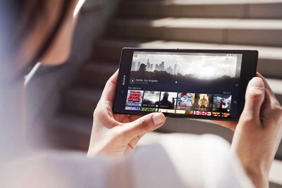 Das Sony Xperia Z Ultra verwischt die Grenze zwischen Smartphone und Tablet mit seienm 6,4-Zoll-Display.