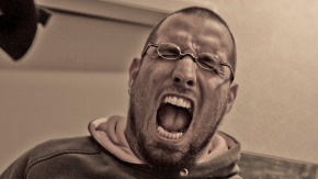 """""""Brummifahrer haltet drauf!"""" Facebook hat ein Hatespeech-Problem – und erkennt es nicht [Kolumne]"""
