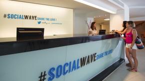 Twitter-Hotel auf Mallorca: Flirten und Party in der SocialWave-Community