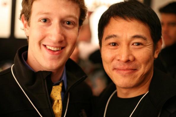 Facebook arbeitet angeblich an einer VIP-App für Prominente wie Filmstar Jet Li. Hier im Bild mit Facebook-CEO Mark Zuckerberg. (Bild: Robert Scoble  / Flickr Lizenz: CC BY 2.0)