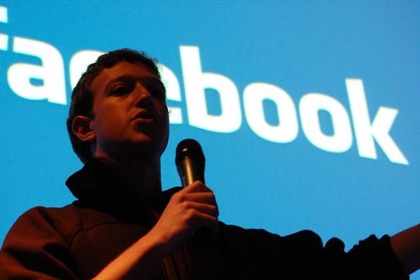 Facebook Q&A: Mark Zuckerberg stellt sich in Berlin den Fragen der Besucher. (Foto: Andrew Feinberg / flickr.com, Lizenz: CC-BY)