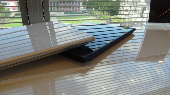 Das Zenbook UX301 von Asus wird in zwei Farbvarianten erscheinen: blau und weiß.