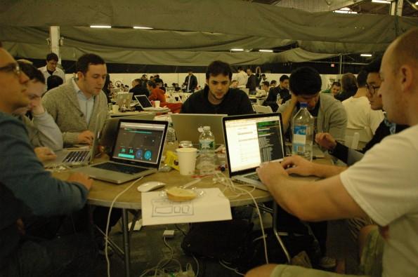 Nicht mehr als 24 Stunden bleiben Hackern für die Entwicklung einer cleveren Code-Lösung. (Foto: TechCrunch)