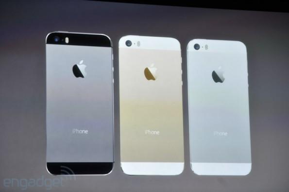 Wie bereits vorher aufgetaucht wird es das iPhone 5s in drei Farben geben: Gold, grau und silber.