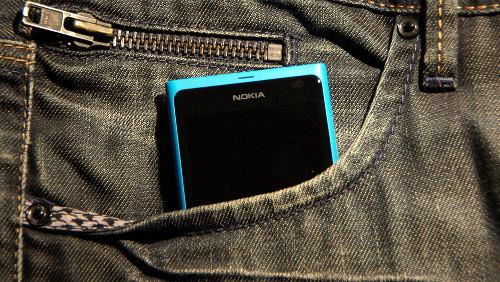 Nokia will ab 2016 wieder Smartphones entwickeln, sucht dafür aber Vertriebspartner. (Bild: Martin Abegglen / Flickr Lizenz: CC BY-SA 2.0)