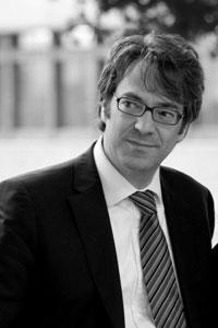 Ernst von Kimakowitz ist Direktor des Humanistic Management Center und beschäftigt sich unter anderem mit Work-Life-Balance