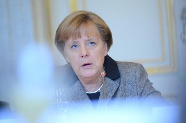 Angela Merkel hat wenig zu Lachen: Erst geriet ihre Regierung wegen der Spähaffäre in den Kritik, dann wurde sie selber Opfer des Überwachungsgebaren. (Bild: Flickr-EPP / CC BY 2.0)