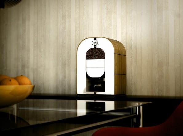 Die erste Röst-Mahl-Brüh-Kaffeemaschine der Welt. (Foto: Bonaverde)