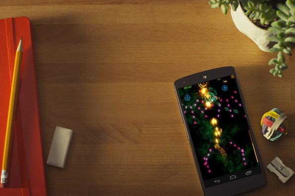 Wie schlägt sich Googles Nexus 5 gegen das iPhone 5s von Apple? (Bild: Google Nexus 5)