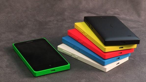 Das Nokia X soll vor allem durch seine gute Preis-Leistung gefallen und kommt in sechs verschiedenen Farben daher. (Quelle: Nokia)