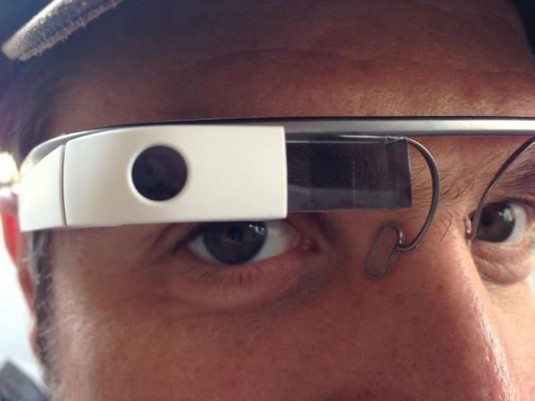 So mancher fühlt sich durch Google Glass beobachtet. Foto: Michael Praetorius   –via flickr, Lizenz   CC BY ND 2.0
