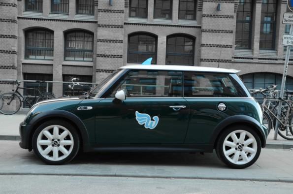 Mit  solchen Fahrzeugen macht das Startup WunderCar seit kurzem den deutschen Taxis in Hamburg und Berlin das Leben schwer. Wie lange noch? (Foto: WunderCar)