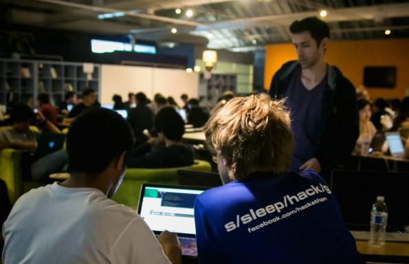 Auch Facebook führt regelmäßig Hackathons durch. Foto: Peter Cottle / Facebook