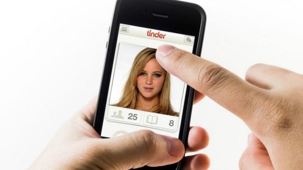 Tinder ist die populäre Dating-App aus den USA. Nutzer lieben vor allem das oberflächliche Bedienkonzept. Tape.tv hat sich das abgeschaut. (Foto: Tinder)