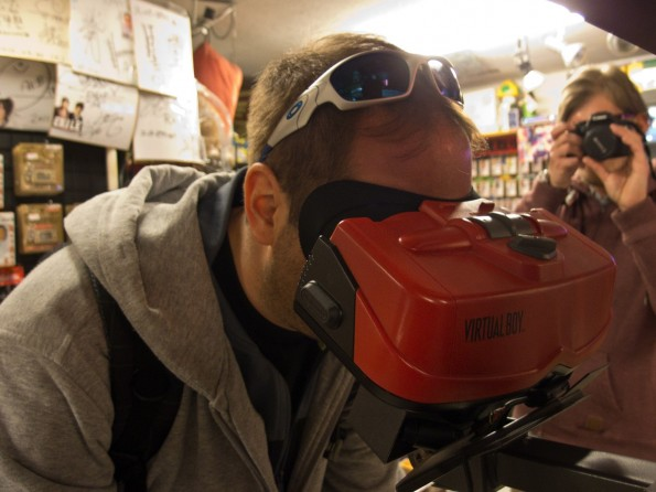 Virtual Reality of The Nintendo Virtual Boy was one of the projects of the 90s, who flopped all here when playing in a retro gamers paradise Super Potato in Tokyo (Photo: Sébastien Bonset)..