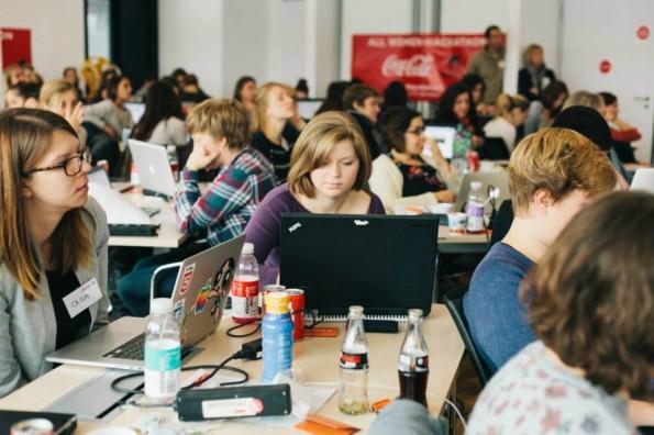 Programmieren im Akkord: Der Berlin Geekettes Hackathon @ Coca Cola Germany. Foto: Aurelie Bazard, via Facebook