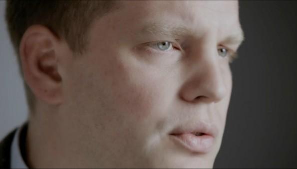 Sebastian Esser, Herausgeber der Krautreporter, im Interview. (Screenshot: Krautreporter)