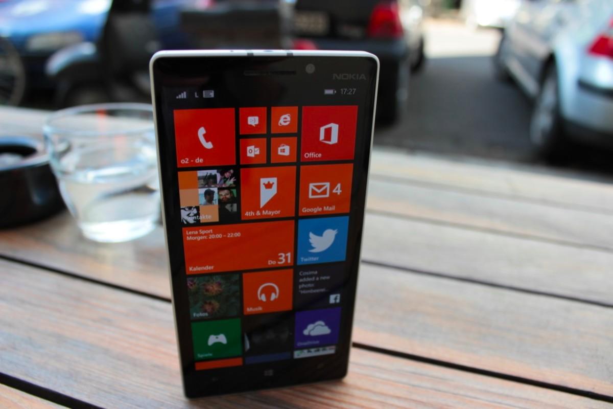 Nokia Lumia 930 vs 920 comparison recording test 4K / UHD [Super HD ...